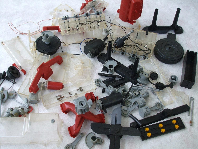 renwal visible v8 auto engine model kit replacement parts. Black Bedroom Furniture Sets. Home Design Ideas