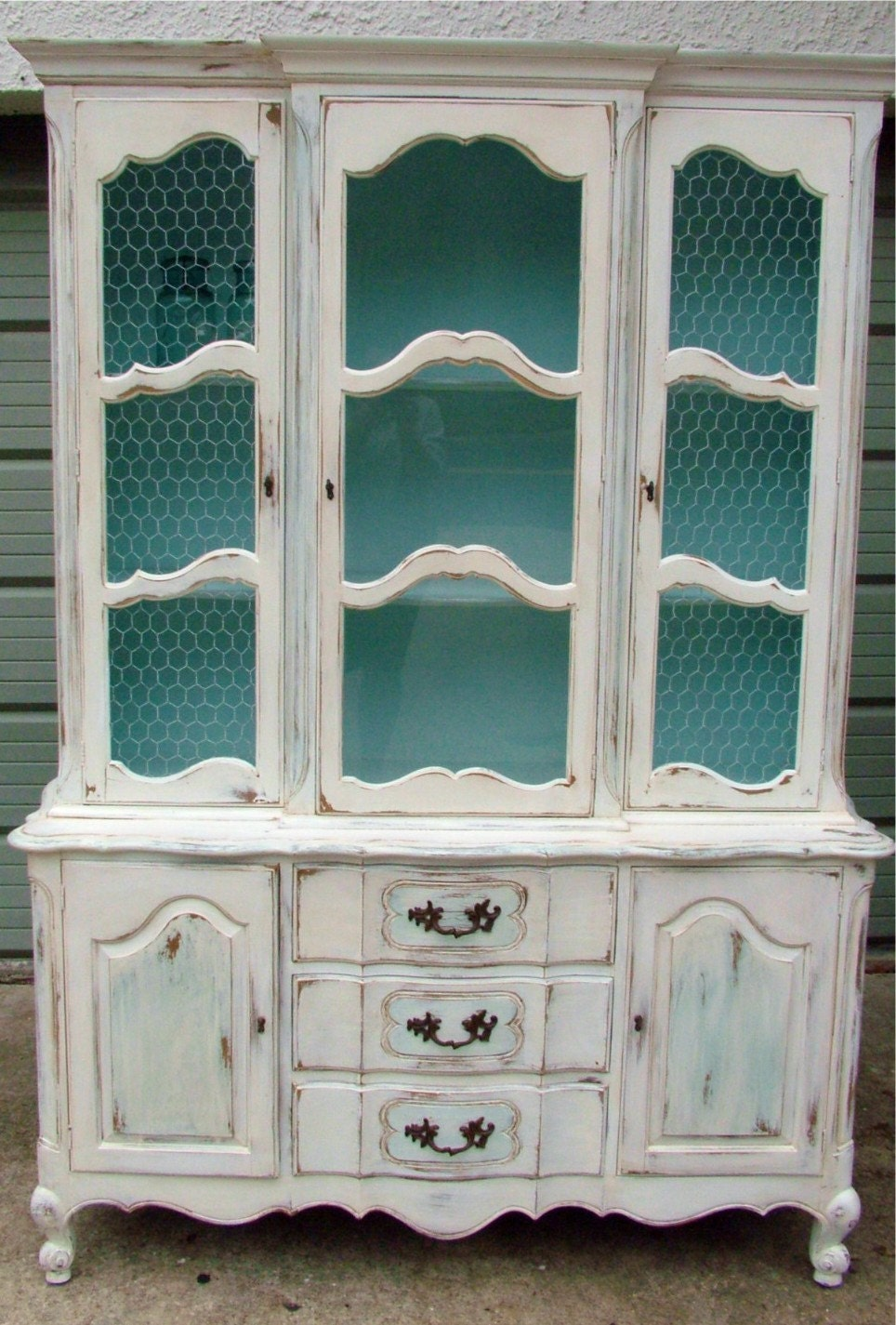 moving sale shabby chic vintage french country hutch. Black Bedroom Furniture Sets. Home Design Ideas