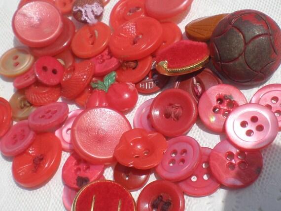 Vintage Button Mix Reds Assortment 52 Pieces