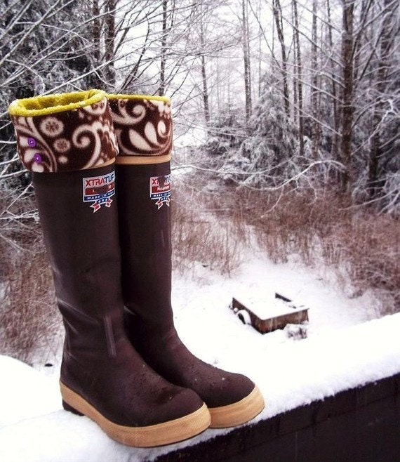 SLUGS Fleece Rain Boot Liners in Cream with a Brown Mod Floral Cuff, Perfect for Xtratufs and Hunter Botts, Winter Fashion (Sm/Med & Med/Lg)