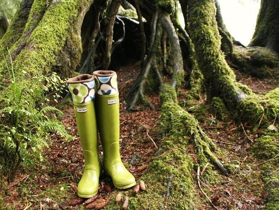SLUGS Fleece Rain Boot Liners Brown with a Mod Cuff, Gardening Style, Fleece Socks, Rustic Nature, Fall Winter Fashion (Sm/Med 6-8 Boot)