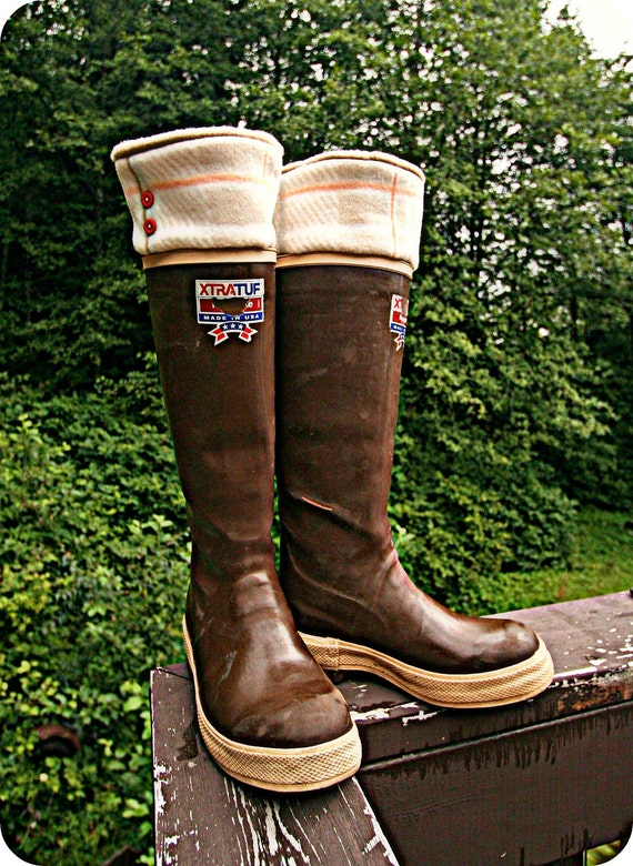 SLUGS Fleece Rain Boot Liners Tan with a Plaid Pattern Cuff, Cold Weather Fashion, A Must have for Hunters (Sm/Med 6-8 Boot)