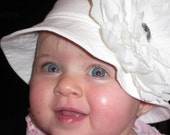 Baby Snap Designs White Sun Hat With White Peony - Infant Size