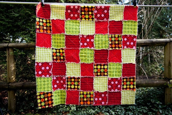 SALE 15% OFF Apple Orchard Throw Picnic Rag Quilt