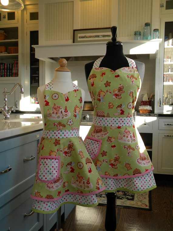 Mother/Daughter Christmas Double Skirted Sweetheart Apron