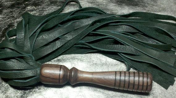 Forest green elkhide flogger with Indian rosewood handle