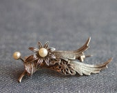 Dark Silver and Pearls Flowers - Vintage silvery Brooch on Brass