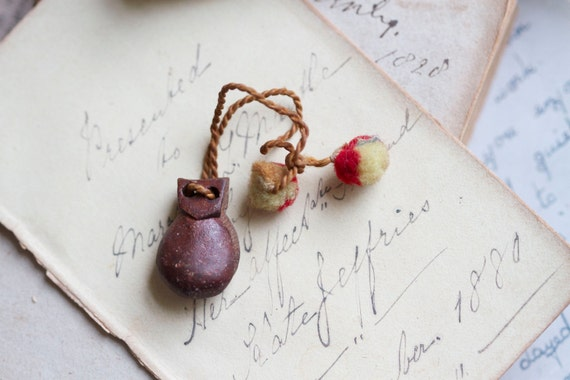 Antique Tiny Weenie Spanish Castagnettes - Wood Miniatureto use in Jewelry assemblage Altered arts projects