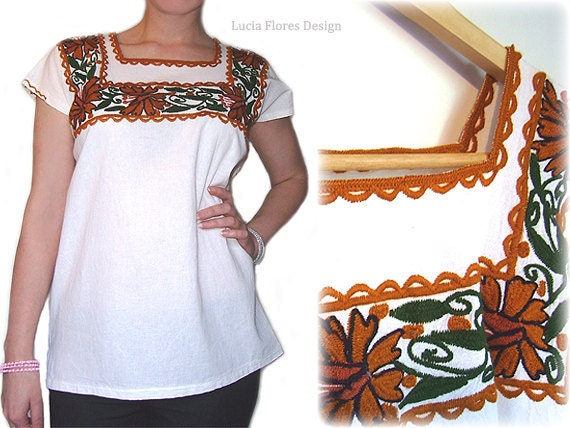 Hand embroidered Mexican blouse tunic Oaxaca Huipil Bohemian Ethnic 70s Vintage style Organic