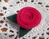 Pink rose felt brooch