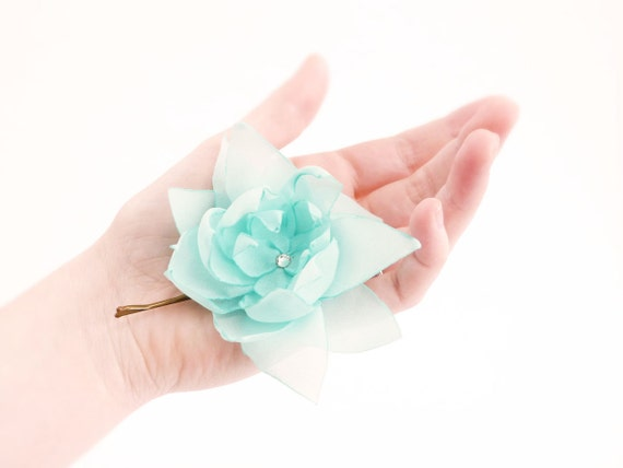 Mint green Flower hair clip French crêpe Romantic hair accessories OOAK by Jye, Hand-made in France