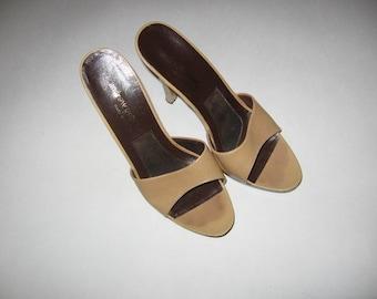 Beige platform sandal
