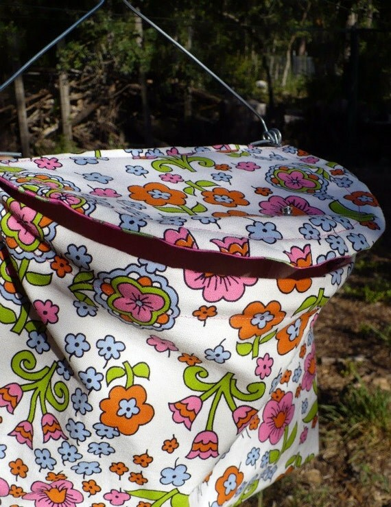 Lidded Clothespin Bag - Wire Framed Flower Canvas