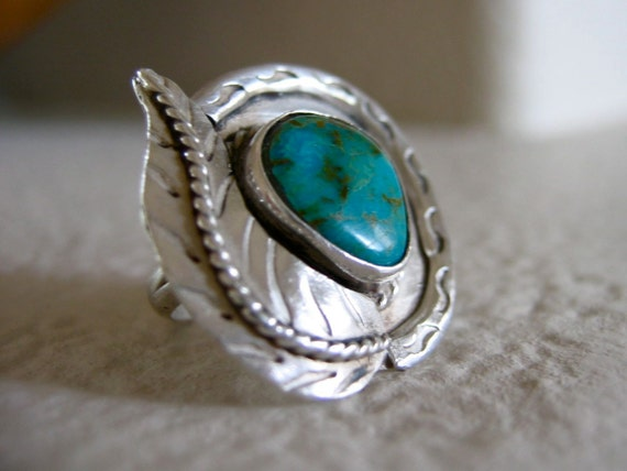 Southwestern Silver and Turquoise Ring Leaf Design Size 8