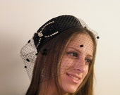 Pill box hat with veiling and bow - Black cocktail hat - Fascinator with veil - Jackie O pill box