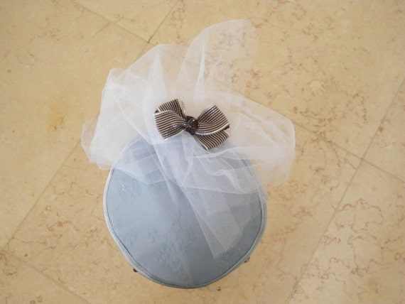 Blue cocktail hat - Evening fascinator - Blue evening hat with tulle - wedding accorssory