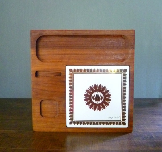 Mid Century Georges Briard Footed Teak Wood and Tile Fondue & Cheese Tray. Gold Tone Metal Tile w Metallic Hues on Wooden Serving Platter.
