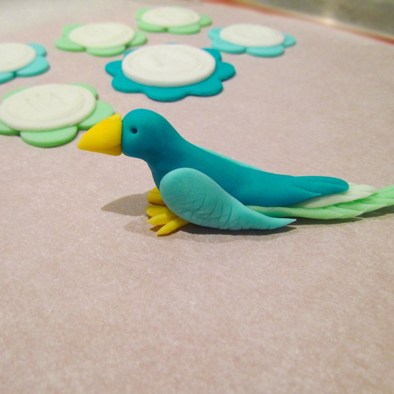 Cake With Fondant Bird : Edible Fondant BIRD Cake and Cupcake Toppers by Cupcake