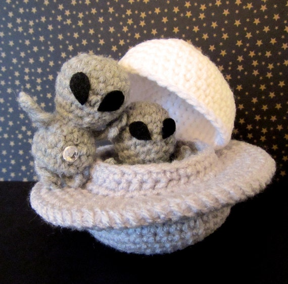 Crochet Pattern: Amigurumi UFO, Grayboy & Spacecraft