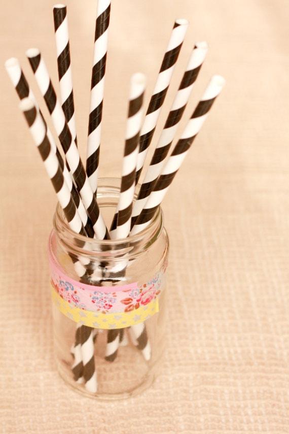 15 Cannucce a righe nere e bianche - 15 Black and White Striped Paper Straws