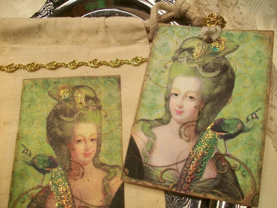 Marie Antoinette With Peacock Tag In A Bag (TB 002 )