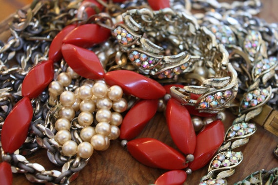 Everything but the kitchen sink, Bulk Lot of Vintage Jewelry, FIVE PIECES, Necklaces, Rhinestones, pearls, metal chains, plastic beads