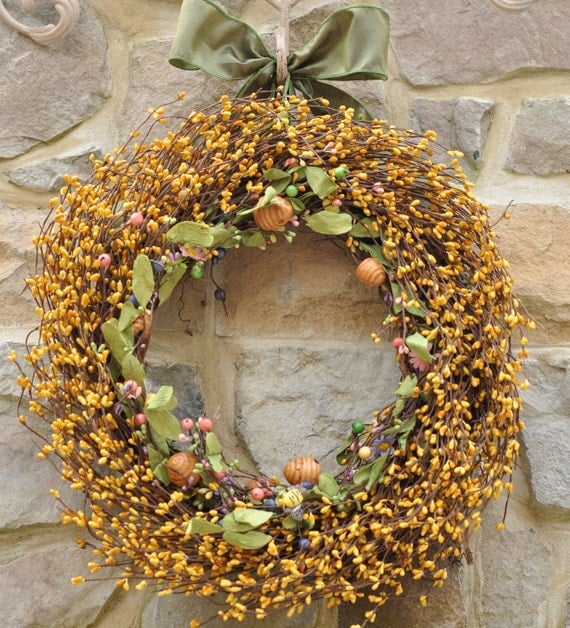 Yellow Wreath - Berry Wreath - Bumble Bee Wreath - Spring Wreath - Summer Wreath