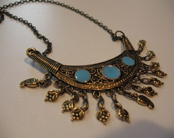 India chained necklace