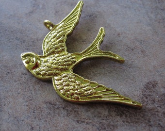 Focal Charm - Antiqued Gold-Plated Pewter, 39x26mm Single-Sided Swallow in Flight with Feathers - JD104