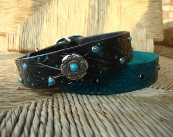 Black Leather Dog Collar. Black with Turquoise Rivets and Flower Concho.