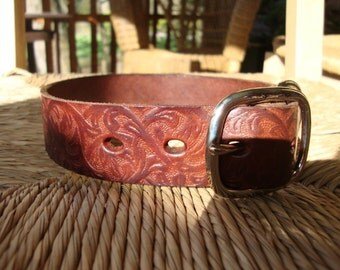 "Bridle  Leather Dog Collar. 1 1/4"" Chestnut Brown Collar with Embossed Western Vine Design .Size Medium or  Large."