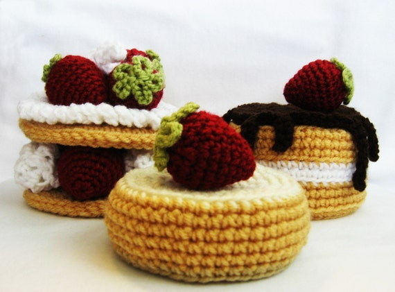 CROCHET PATTERN Strawberry Sweet Cakes (Permission to sell finished items) Instant Download