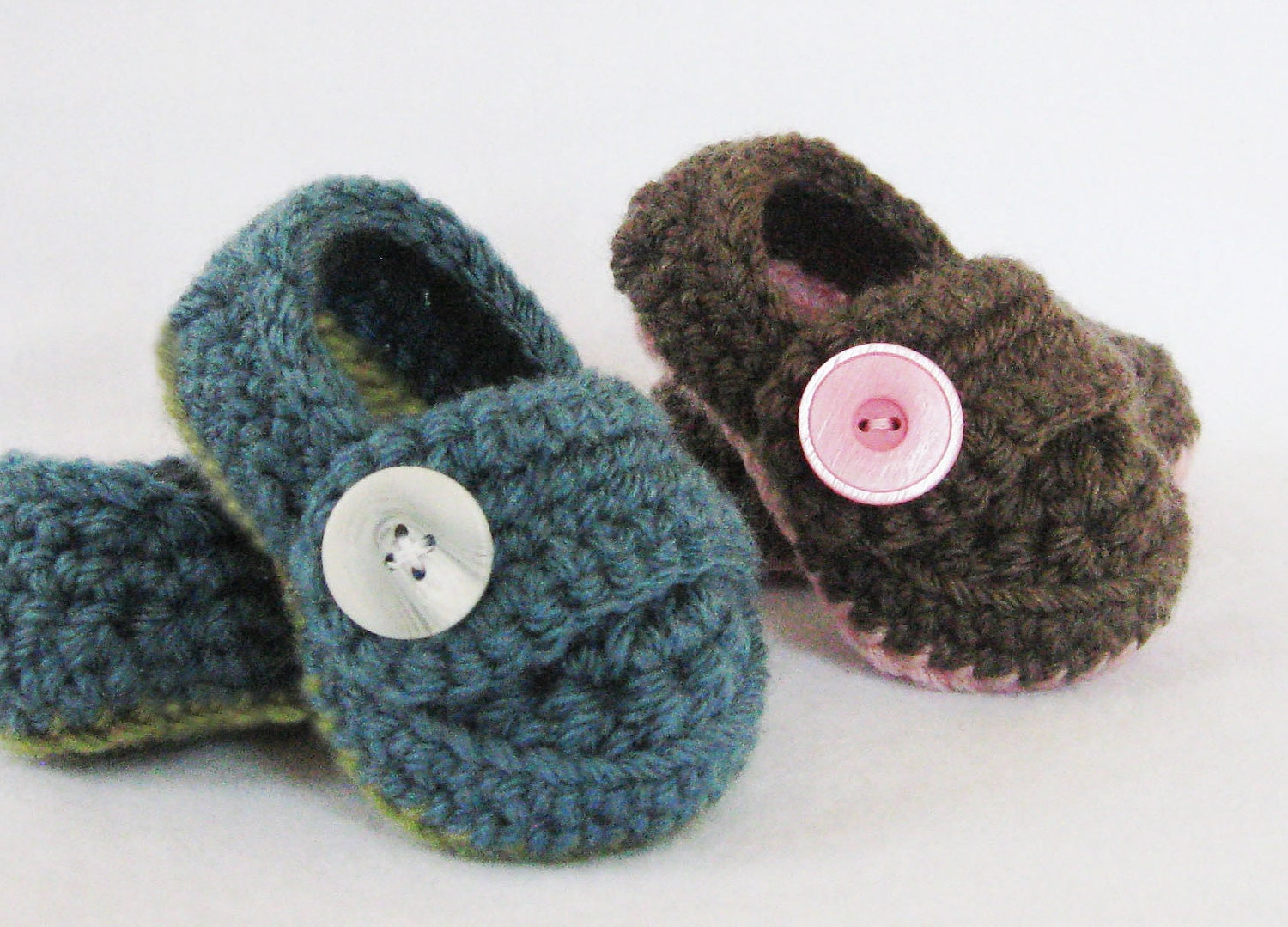 Free Crochet Pattern T Strap Booties : CROCHET PATTERN for babies Button Strap Booties PDF