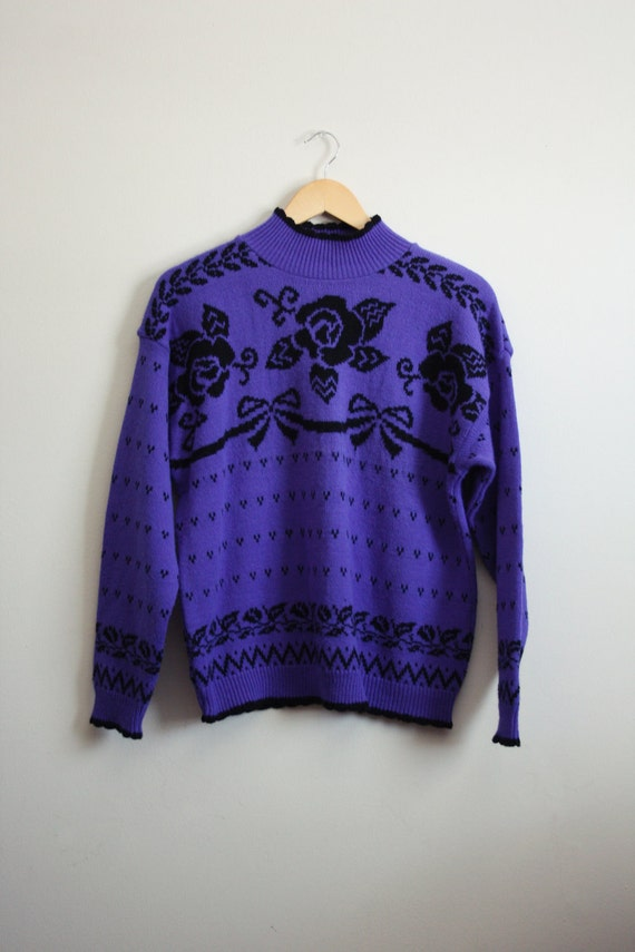 Reserved// Vintage Black flowers and bows Chunky Knit Sweater. size M/L