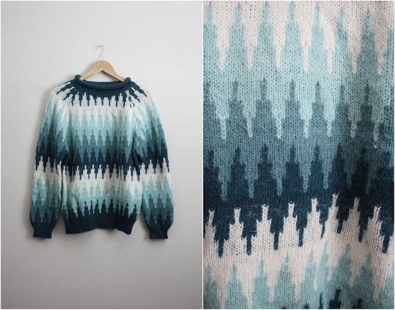 Vtg 80s Zig Zag turquoise and blue Chunky knit Sweater/ Jumper. Medium
