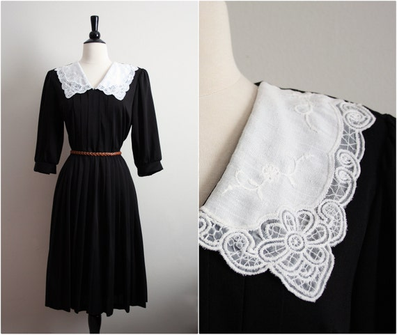 "Vintage ""Carriage Court"" Black & White Crochet Peter Pan Collar Dress. M/L"