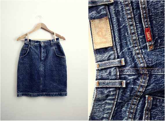 Vintage 60s High Waisted Lee Acid Wash Denim Skirt. Size S/M