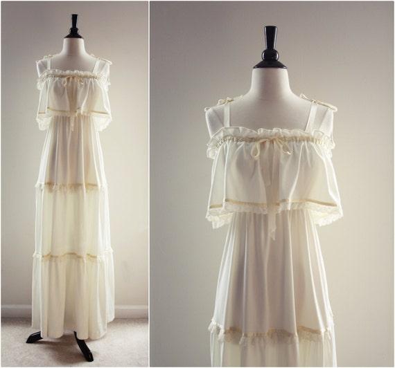 Vintage 70s Bohemian Lace Wedding Prairie Dress. Size S/M