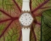 Vintage Swatch watch 1991 LK123 Golden Bride... Ladies ....