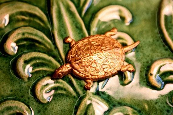 English Turtle Charm (2pc)