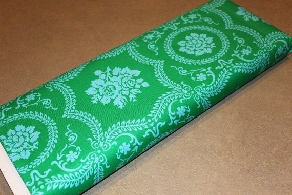 01704 Jennifer Paganelli Bell Bottoms Casey Scroll in Emerald - 1 yard