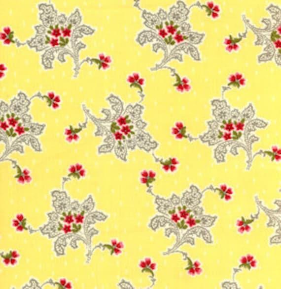 "01111 - Verna Mosquera Savon Buquet Flowers and lace in lemon last 26"" - short yard"