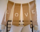 Southern Country Shabby Barn Chic Just Married Hand Painted Burlap Banner Rustic Woodland Photo Prop Sign Cottage Chic Reception Decoration