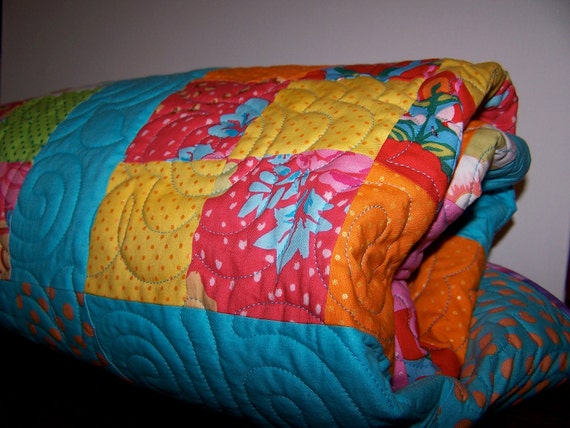 Curly Whirly Girlie Quilt-twin bed quilt
