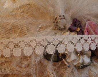 2 Yds  Vintage Cream Circle Design, Victorian lace,  Altered Couture, Costume design, Trim, Edging,