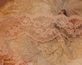 Peach Floral  Design, Scalloped  Victorian Lace, Doll , Trim, Edging, Chantilly, Lingerie, Hom Decor,Farbic