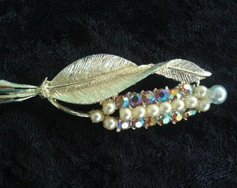 Beautiful Vintage Leaf with Foxtail Pin / Brooch with Rhinestones