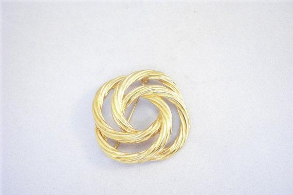 Vintage Gold Tone Swirl Designer Pin / Brooch Signed MONET