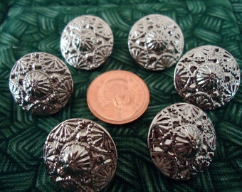 """Metal buttons, matching 6. X  0.60"""" inches across. Shank. Silver coloured, ornate raised design.     THD11.8-2."""