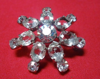 "Vintage Costume jewelry, Art Deco rhinestone star shaped brooch 1.25"" ins in diameter.  TROVAN12.2-4.3"